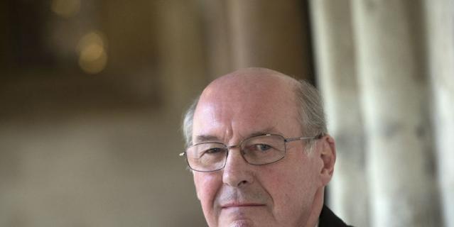 Службу будет вести старший священник часовни – преподобный Дэвид Коннер.