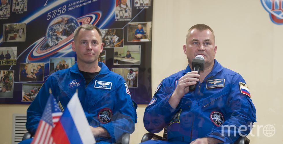 Ник Хейг и Алексей Овчинин за несколько часов до старта отвечали на вопросы журналистов. Фото roscosmos.ru