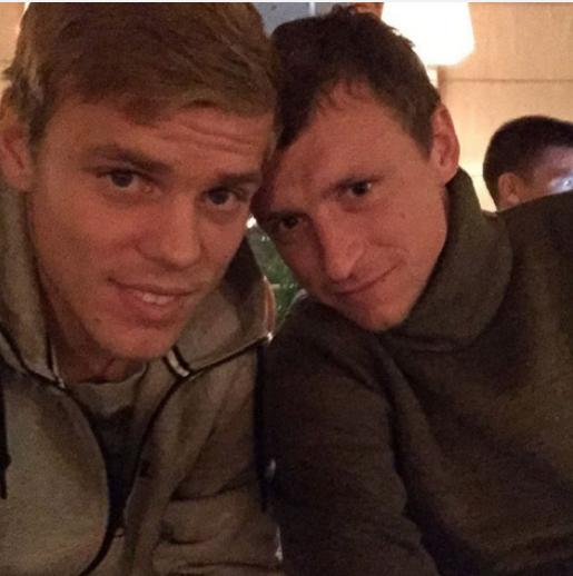 Футболисты Александр Кокорин и Павел Мамаев. Фото instagram.com/kokorin9/