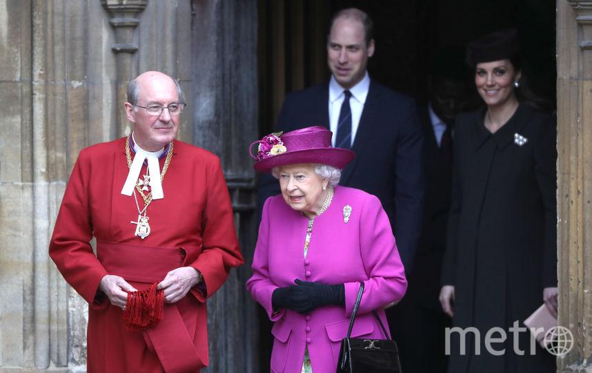 Любимая фуксия Елизаветы II (апрель 2018). Фото Getty