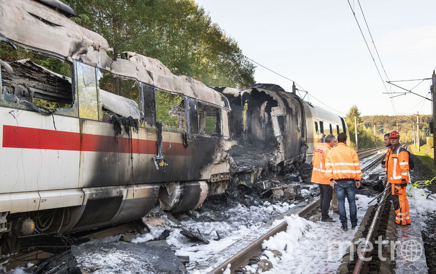 Поезд ICE загорелся во время движения. Фото Getty