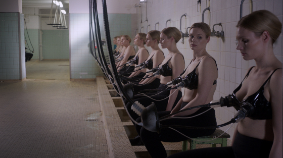 """Уикенд в Москве. Фото кадр из фильма """"Клептомамы"""""""