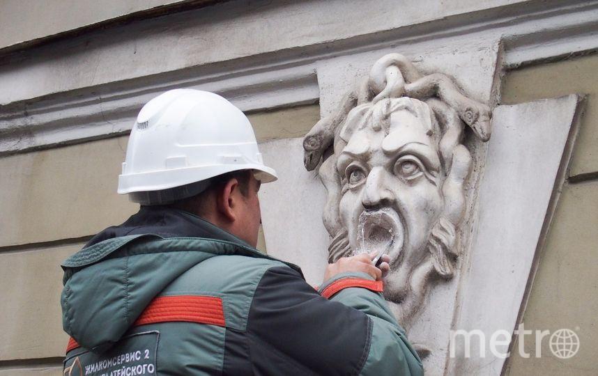 Вандалы надругались над историческим зданием в Петербурге. Фото http://kgiop.ru