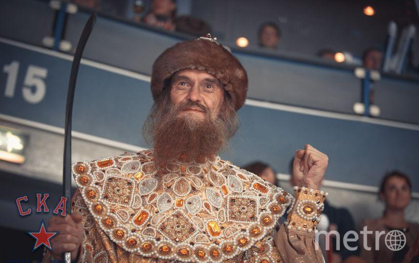 """В образе Ивана Грозного во время хоккейного матча в Ледовом дворце. Фото  предоставлены Юрием Стебаковым, """"Metro"""""""