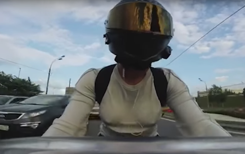 Мотоблогер Ольга Петров. Фото Скриншот YouTube/Motocross a Way of Life, Скриншот Youtube