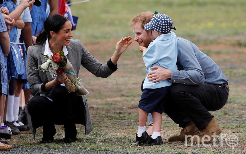 Принц Гарри и Меган Маркл в Австралии обняли очаровательного малыша Люка Винсента. Фото Getty