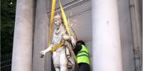 На павильон Аничкова дворца в Петербурге вернут скульптуры молодых воинов
