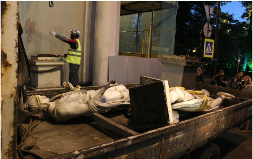 Демонтаж на ремонт произвели 29 июля. Фото gov.spb.ru.