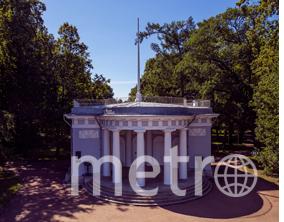 """Павильон под флагом. Фото Святослав Акимов, """"Metro"""""""