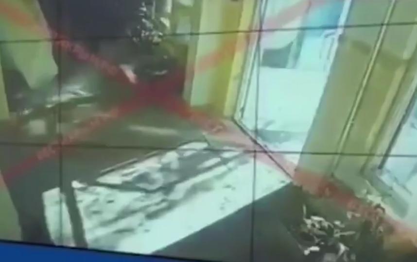 В Сети опубликовали видео взрыва и расстрела в Керченском колледже. Фото скриншот видео Mash