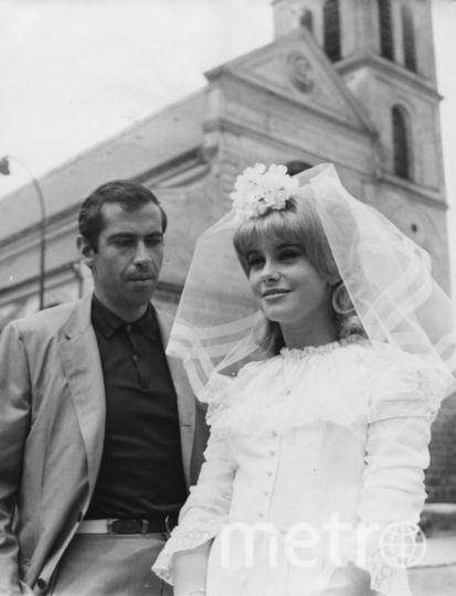 Катрин Денев в роли невесты в 60-е. Рядом Роже Вадим. Фото Getty