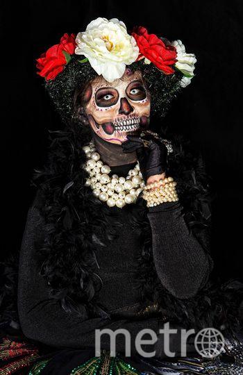 Мексиканцы нарядились в скелеты перед днём мёртвых. Фото AFP