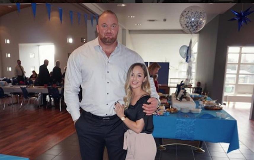 Хафтор Бьёрнсон и Келси Хэнсон. Фото Скриншот Instagram/kelc33