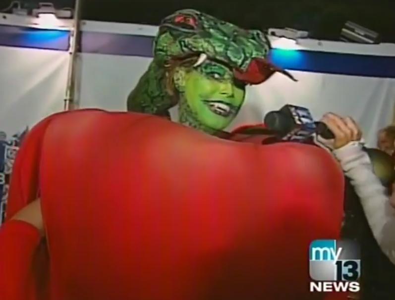 Супер-модель Хайди Клум сделала подборку своих образов к Хэллоуину в разные годы. Фото скриншот www.instagram.com/heidiklum/