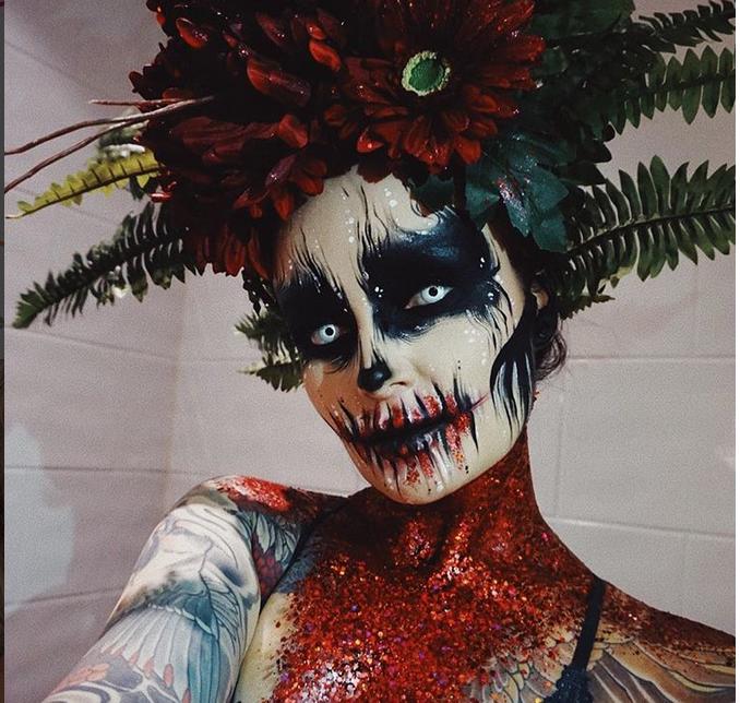 Страшно и откровенно: Instagram завоевали образы к Halloween. Фото скриншот www.instagram.com/ida_elina/