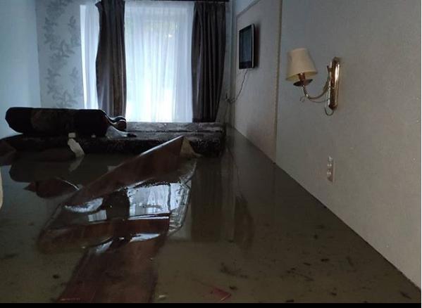 В Туапсе вода зашла в дома. Фото Скриншот instagram.com/_ivanova_live_/?hl=ru