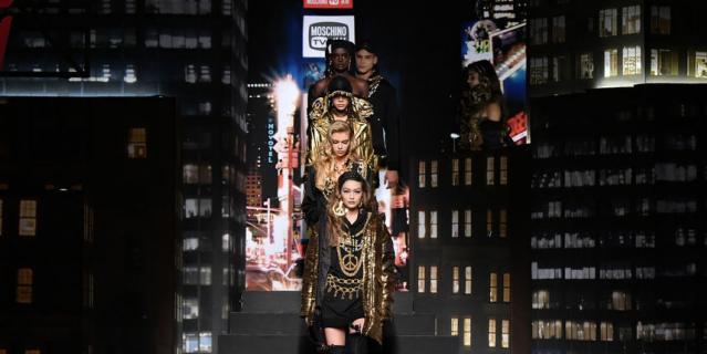Показ коллекции Moschino x H&M в Нью-Йорке.