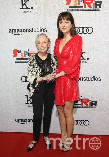 Премьера Суспирии. Дакота Джонсон и ее бабушка Типпи Хедрен. Фото Getty