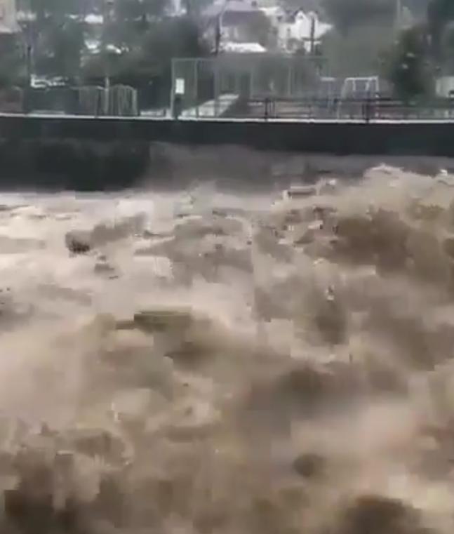 Катастрофа просто: жители Краснодарского края делятся пугающими фото. Фото скриншот видео www.instagram.com/krasnodar_kray/