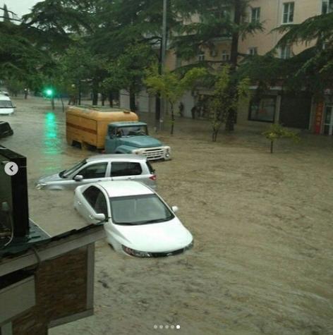 Последствия ливневых дождей в Сочи. Фото www.instagram.com/cataclysms_of_the_world