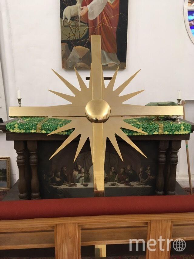 "Креста на храме не было 80 лет. Фото Анненкирхе, ""Metro"""