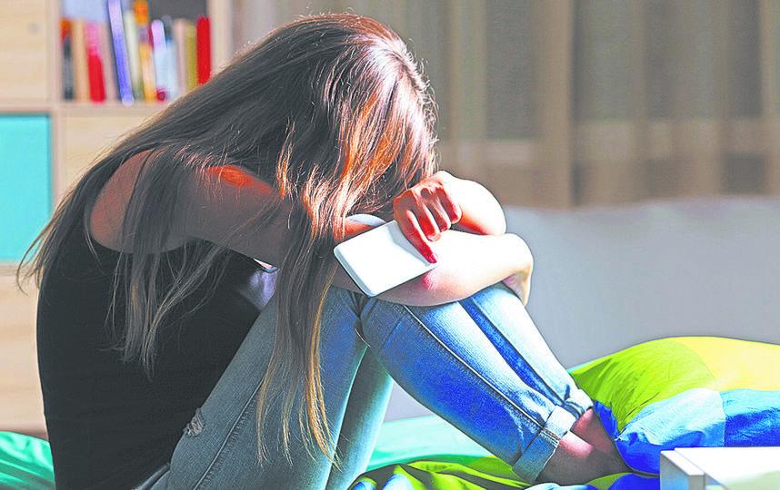 Соцсети создали такую систему психологического давления на подростков, что они определяют себя и своё место в социуме по количеству комментариев и лайков. Фото istock