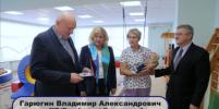 Маленькому Олегу, родившемуся в метро Петербурга, вручили медаль: видео
