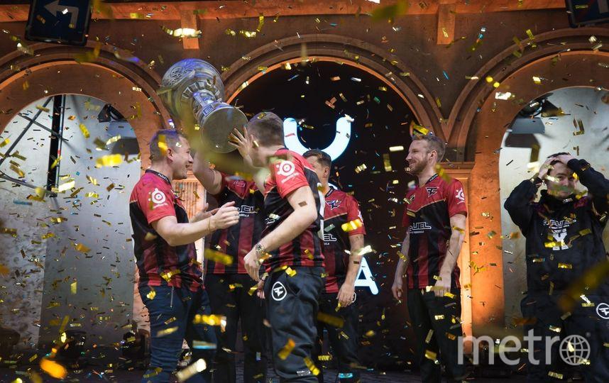 Команда FaZe разгромила Na'Vi на второй карте и стала чемпионом EPICENTER CS:GO. Фото Предоставлено организаторами