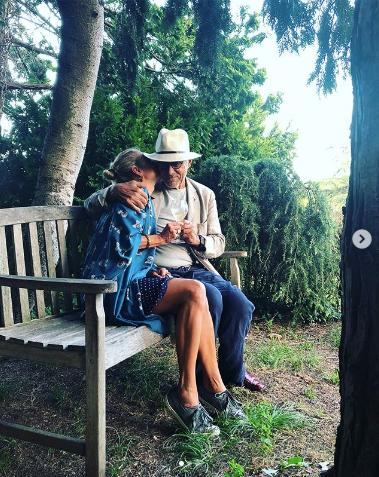 Юлия Высоцкая и Андрей Кончаловский. Фото www.instagram.com/juliavysotskayaofficial