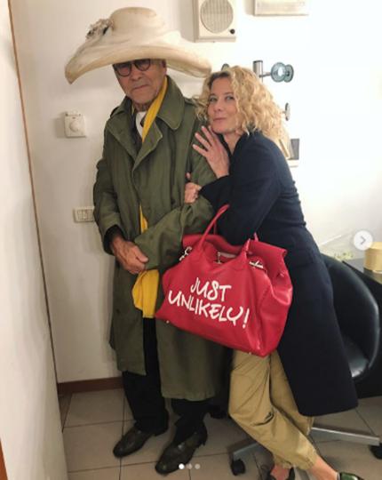Юлия Высоцкая и Андрей Кончаловский в Венеции. Фото www.instagram.com/juliavysotskayaofficial