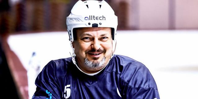 Хоккей в ОАЭ, Владимир Бурдун.