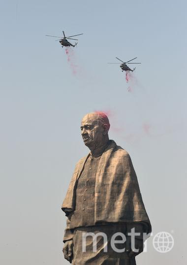 Самая высокая статуя в мире. Фото AFP