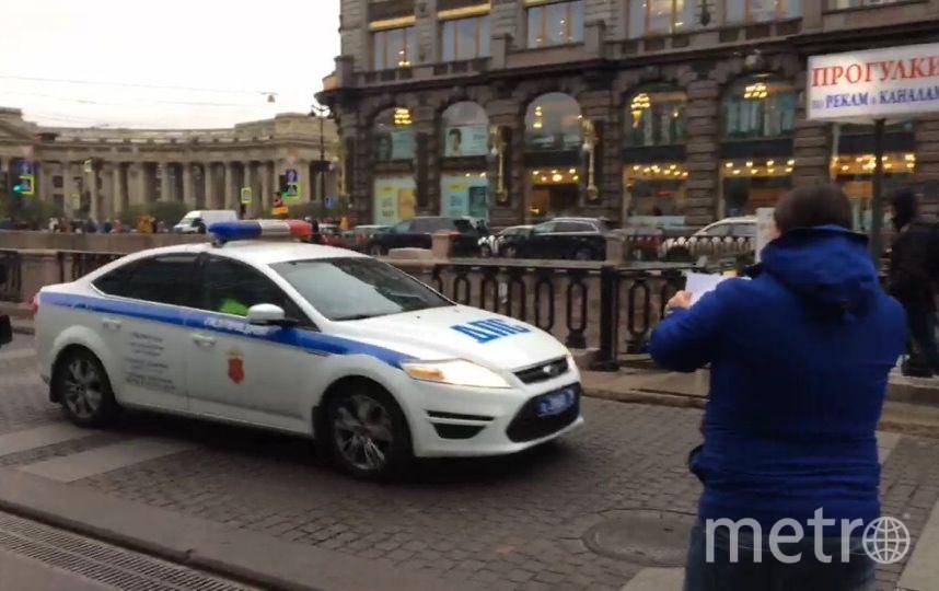 Петербургские активисты требуют навести порядок с парковкой в центре города. Фото Красимир Врански, vk.com
