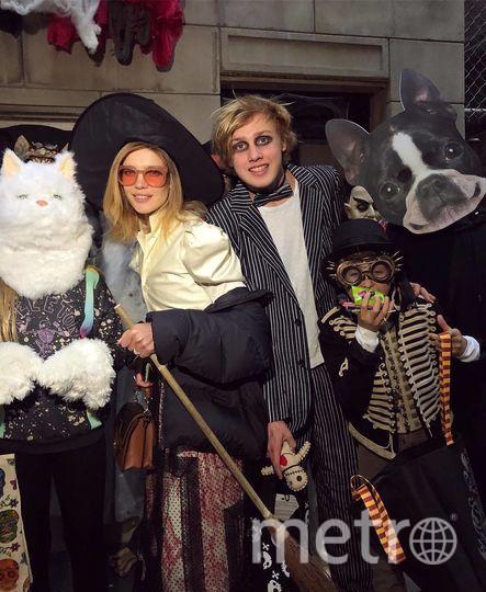 Наталья Водянова с семьей. Фото Скриншот Instagram: @natasupernova