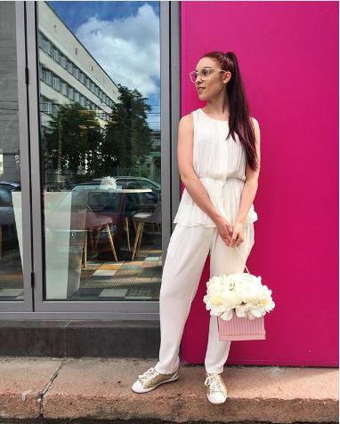 "Лера Юдина, участница шоу ""Танцы"". Фото www.instagram.com/eclerka_yu"