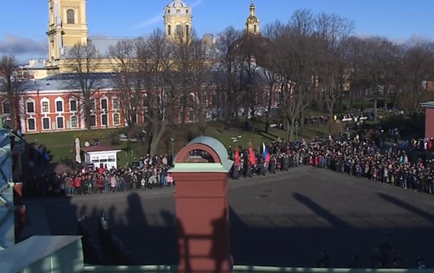 В Петербурге прогремел выстрел: город отмечает День народного единства. Фото скриншот видео https://topspb.tv