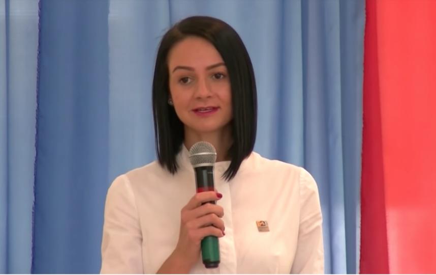 Ольга Галицких пообщалась с молодёжью и рассказала им про низкие зарплаты у чиновников. Фото Канал ЭХО-ТВ 24, Скриншот Youtube