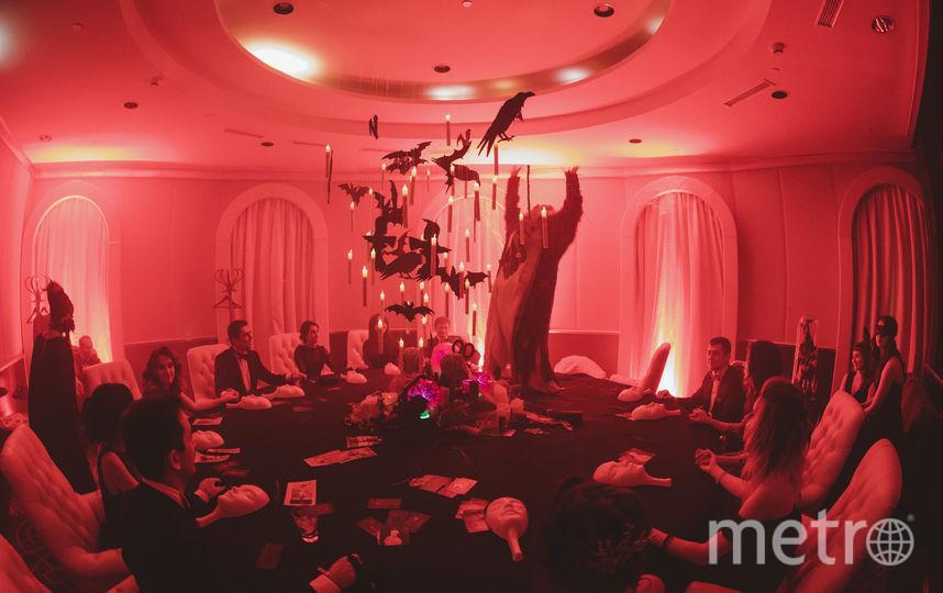 В номерах гостиницы шли иммерсивные спектакли от режиссёров Юрия Квятковского, Ильи Мусатова, Павла Чукреева, Юлии Гоманюк. Фото AfterHalloween, Предоставлено организаторами