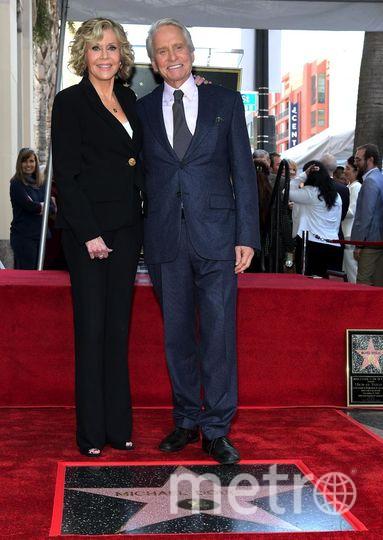 Открытие звезды Майкла Дугласа на Аллее славы. С Джейн Фонда. Фото Getty
