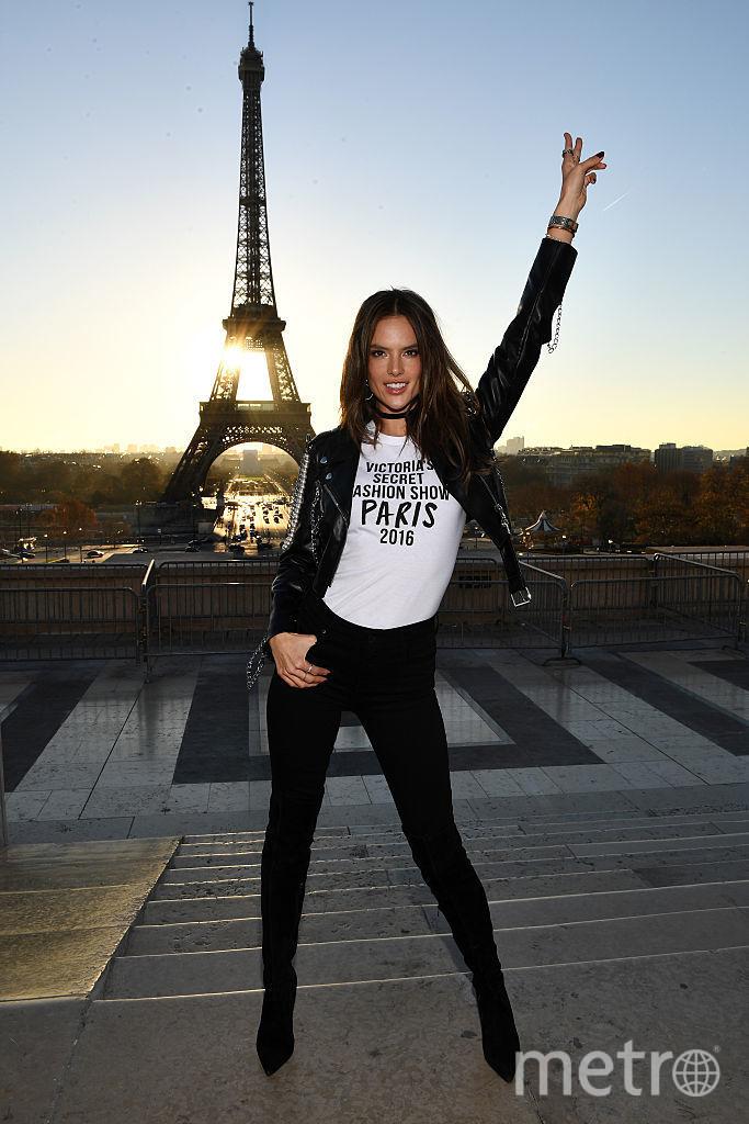 Адриана Лима. Шоу Victoria's Secret в 2016 году во Франции. Фото Getty
