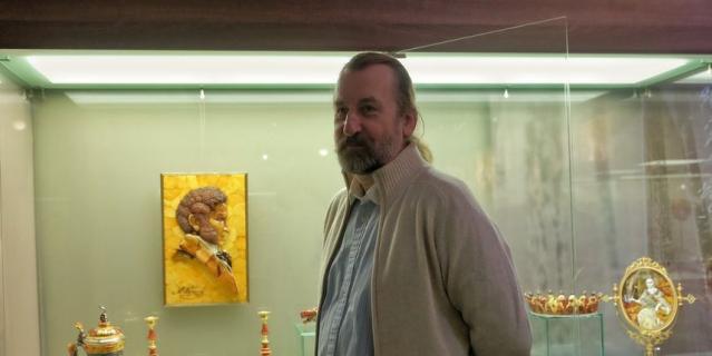 Александр Крылов, художник и музей янтаря.