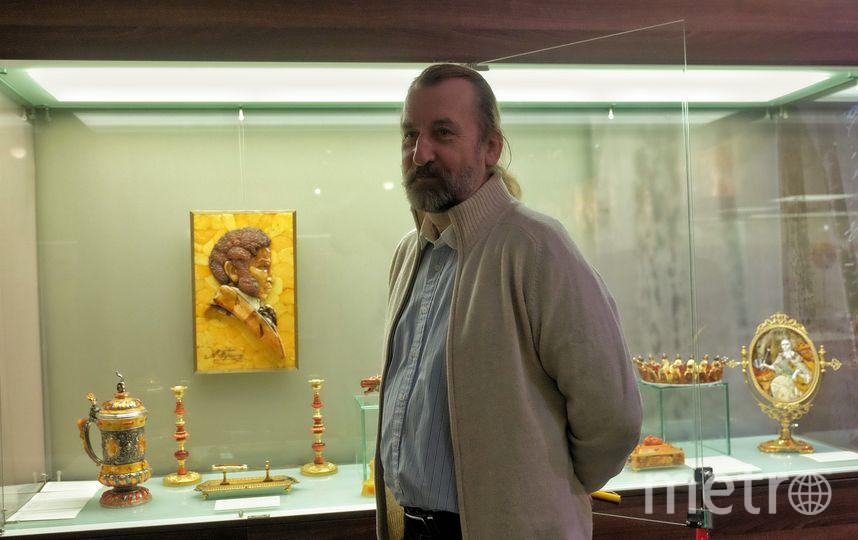 "Александр Крылов, художник и музей янтаря. Фото Алена Бобрович, ""Metro"""