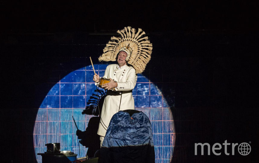 """Сцены из спектаклей. Фото предоставлены театром-фестивалем «Балтийский дом», """"Metro"""""""