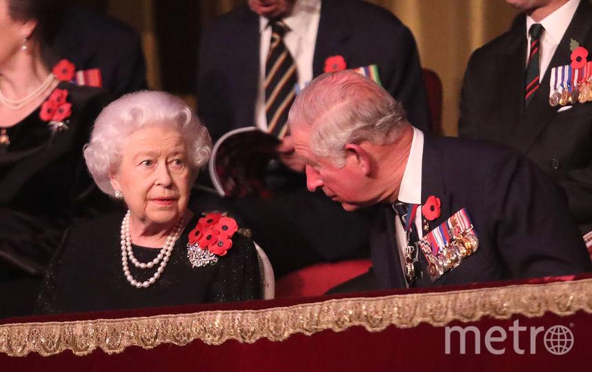 Елизавета II сидела в ложе рядом с сыном Чарльзом. Фото Getty