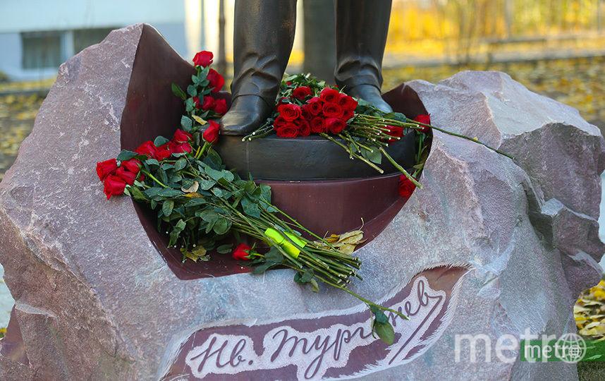 Памятник Тургеневу. Фото Василий Кузьмичёнок