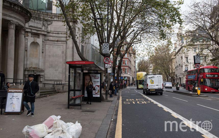Двухэтажный автобус протаранил остановку в Лондоне, ранены 20 человек. Фото Getty