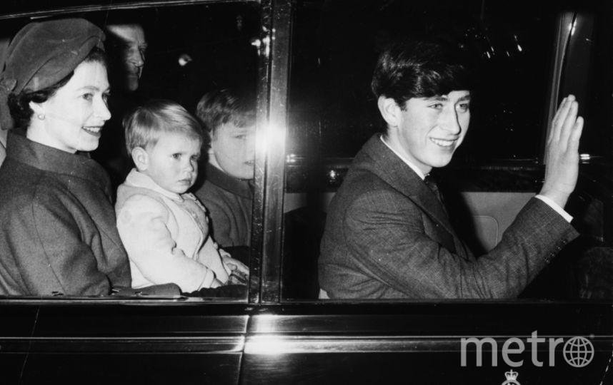 Принц Чарльз и Елизавета II, 1966 год. Фото Getty