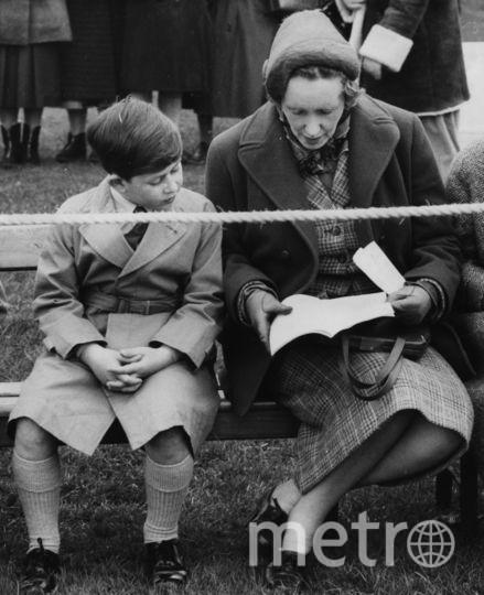 Принц Чарльз на скачках в Аскоте в 1958 году. Фото Getty