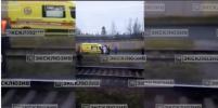 Двое школьников попали под поезд в Лисьем Носу в Петербурге - одному отрезало стопы