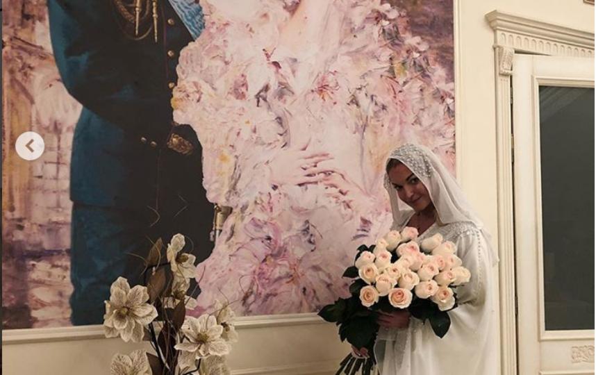 Волочкова поделилась фото в хиджабе. Фото instagram.com/volochkova_art